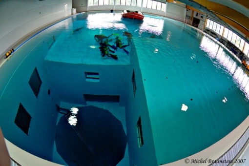 nemo33_world_deepest_swimming_pool2