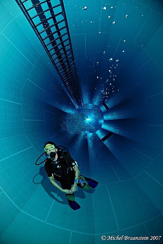 Belgium dj storm 39 s blog for Deepest indoor swimming pool in the world