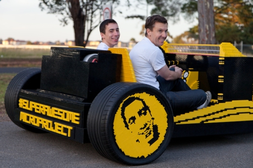 super-awesome-micro-project-functioning-life-size-LEGO-car2