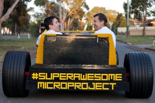 super-awesome-micro-project-functioning-life-size-LEGO-car5