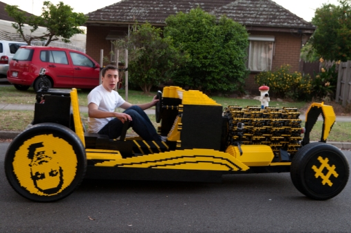 super-awesome-micro-project-functioning-life-size-LEGO-car7