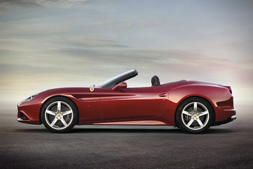 2015-Ferrari-California-T-3
