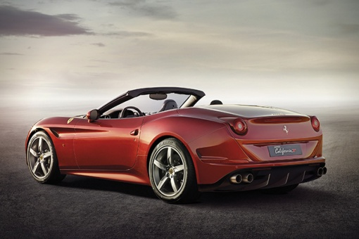 2015-Ferrari-California-T-4