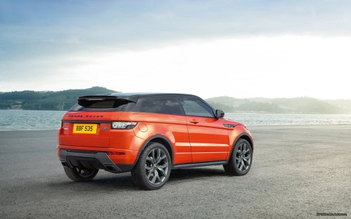 2015_Land_Rover_Range_Rover_Evoque_Autobiography_Dynamic_3_b