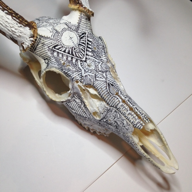 peter-deligdisch-skull-art-ink-drawking-pyrography10