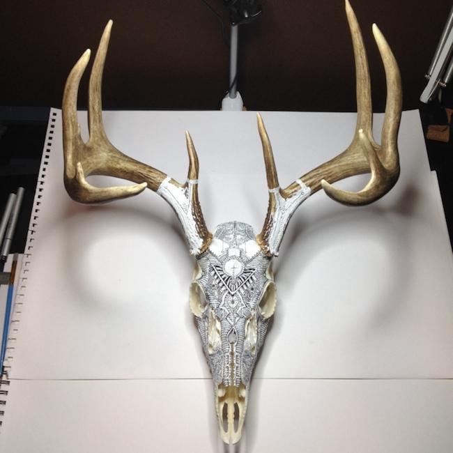 peter-deligdisch-skull-art-ink-drawking-pyrography8