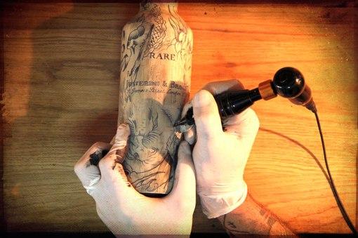 sphinx-JB-whiskey-bottles-designboom02
