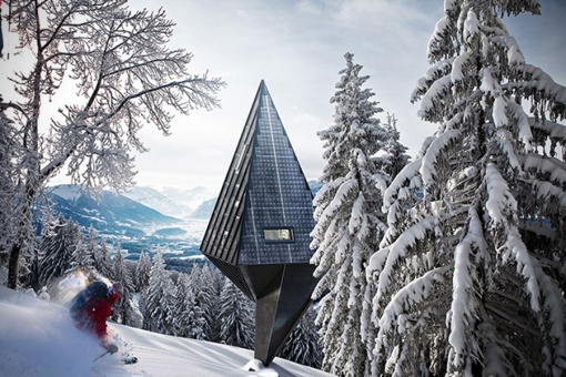 Sustainable-Pine-Tree-Shaped-Houses-0.