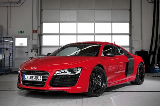 2015-All-Electric-Audi-R8-E-Tron-2