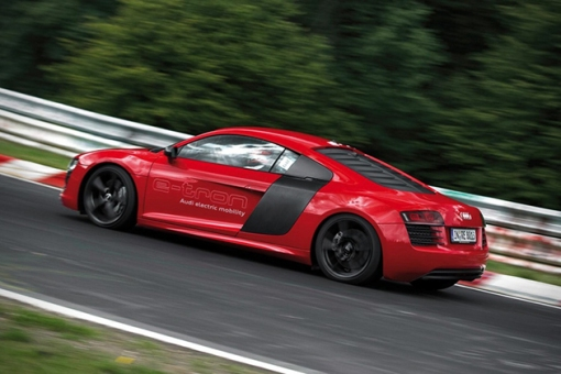 2015-All-Electric-Audi-R8-E-Tron-3