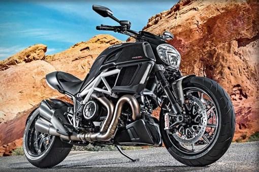 2015-Ducati-Diavel-2