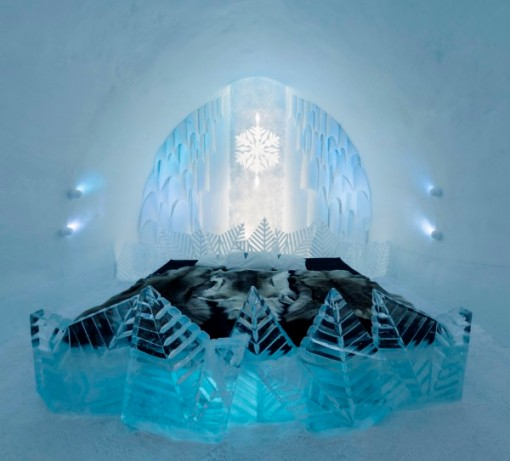 Ice-Hotel-suite-by-Natuski-Saito-and-Shingo-Saito-600x543