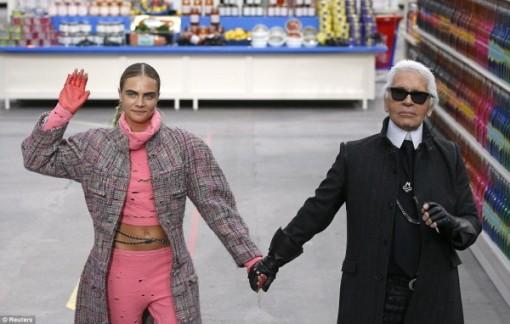 Karl-lagerfeld-Chanel-Supermarket-600x382