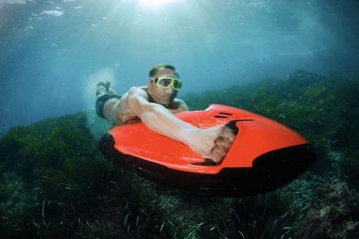 Seabob-Cayago-Underwater-Jetski-1