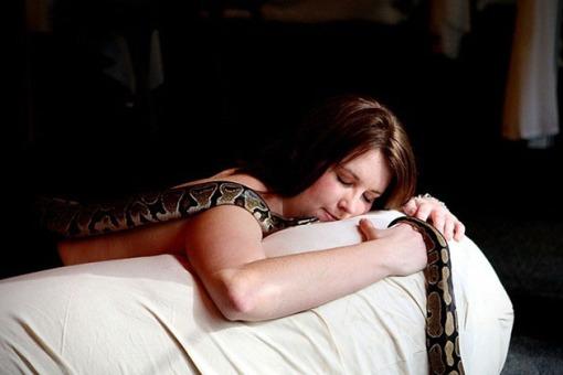 Snake-Massage-Spa-in-Jakarta-Indonesia-4