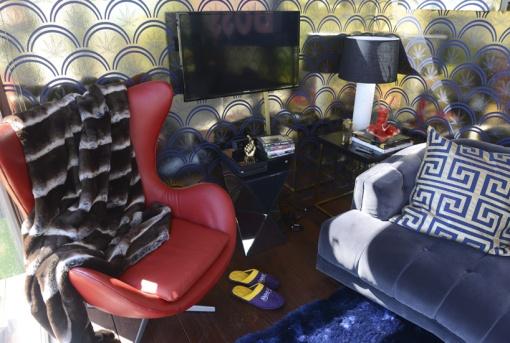 snoop-dogg-airbnb-SXSW-designboom-04