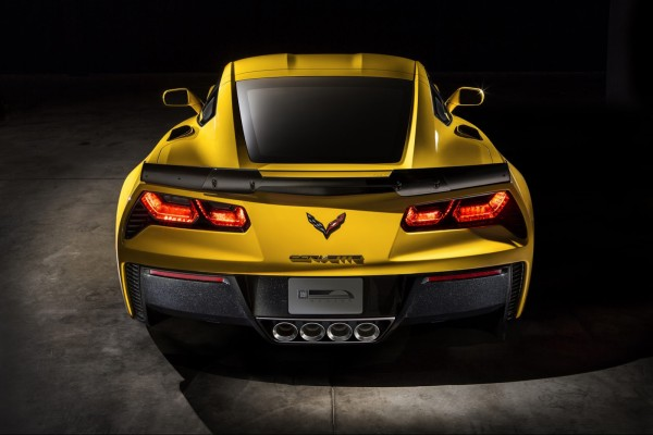 Corvette-Z06-back-600x400