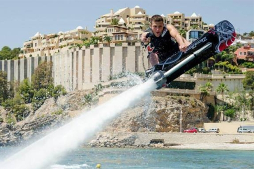 champion-jet-skier-franky-zapata-develops-a-hoverboard-for-the-water-0