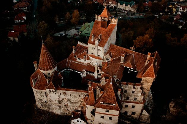 Draculas-Castle-Now-Up-For-Sale-2