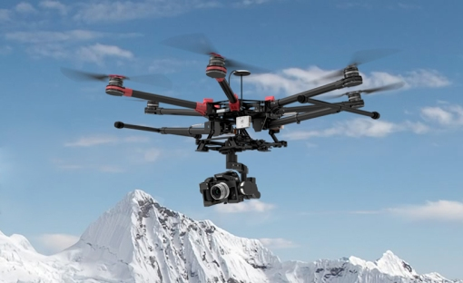 dji-spreading-wings-s900-drone-designboom01