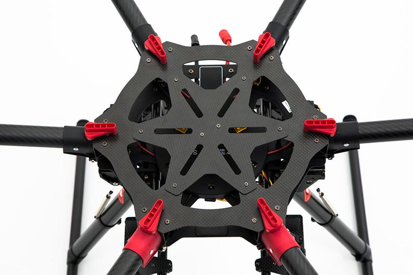 dji-spreading-wings-s900-drone-designboom04