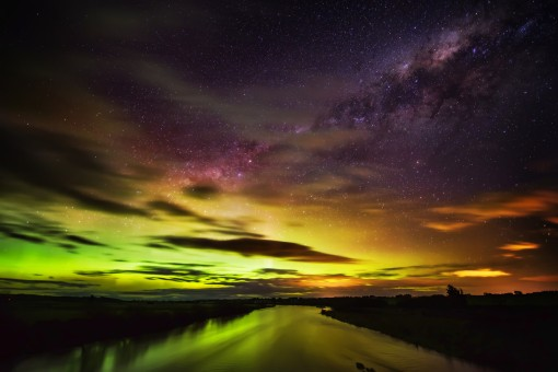Trey Ratcliff - Aurora Australis - Landing on the River - Queenstown - New Zealand-X3