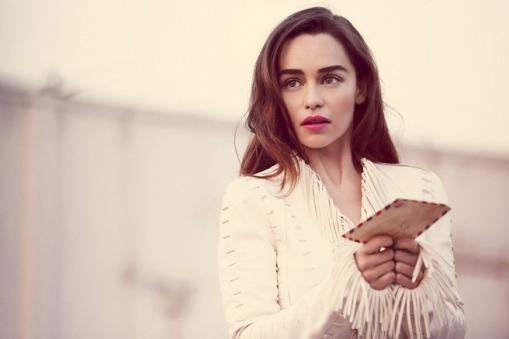 Emilia-Clarke-Yahoo-Style-UK-2015_3