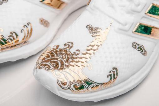 adidas-ultra-boost-ceramic-by-lee-chun-02_o0n34f