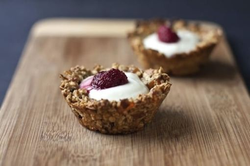 Granola Cups With Yogurt